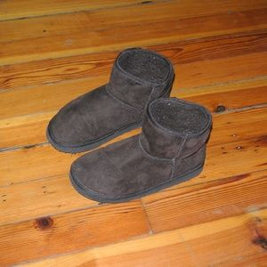 Shoes - Brown Winter Booties Size 8